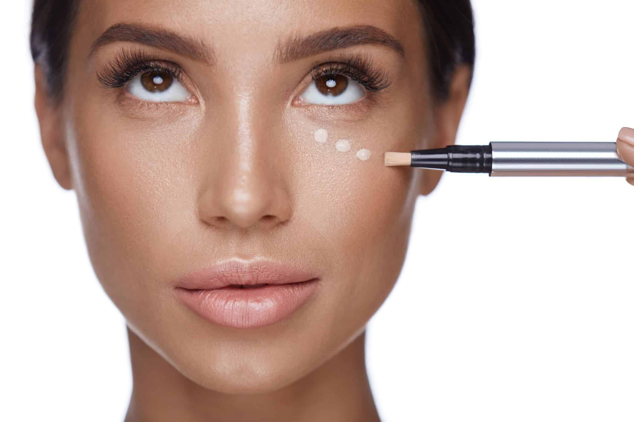 What Are The Benefits Of Applying Concealers?